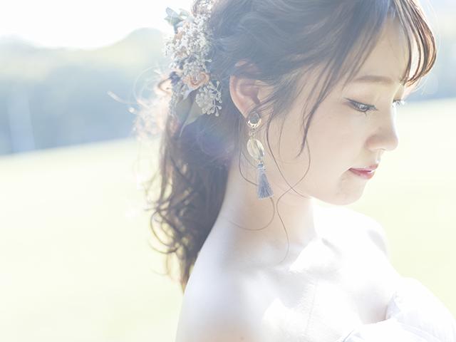 花嫁風の女性