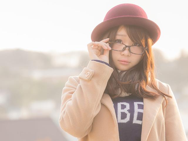 メガネを掛けている女性