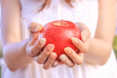 りんごと女の子