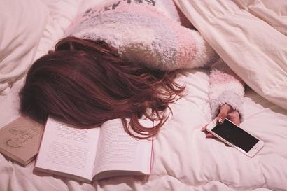 ベッドで寝落ち