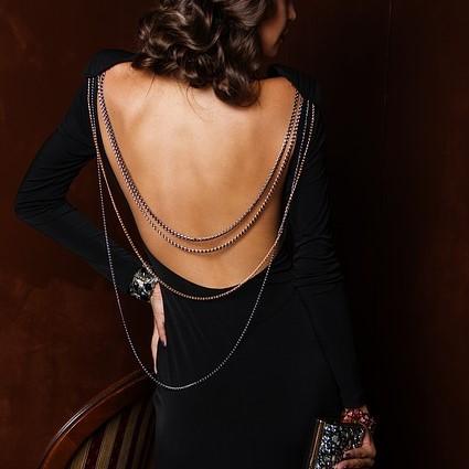 背中開きドレス
