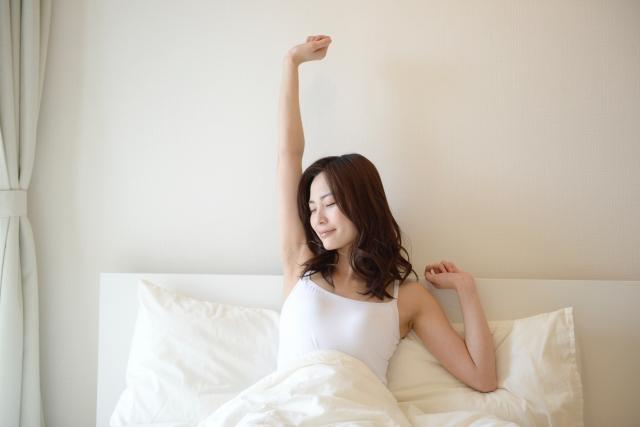寝起きの女の子