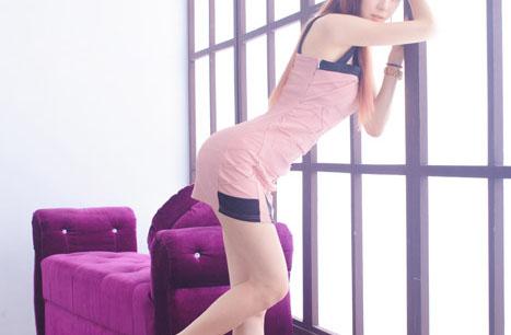ピンクの服な女の子