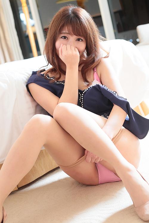 横浜ノーハンドで楽しませる人妻 みなみ