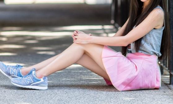 ピンクのスカートの女の子